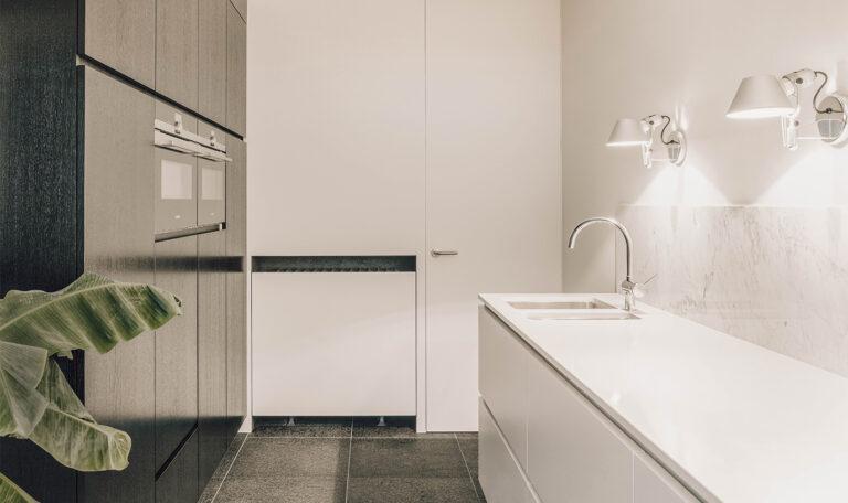 keukenplaatser-koken-interieur-maatwerk-kasten-keuken