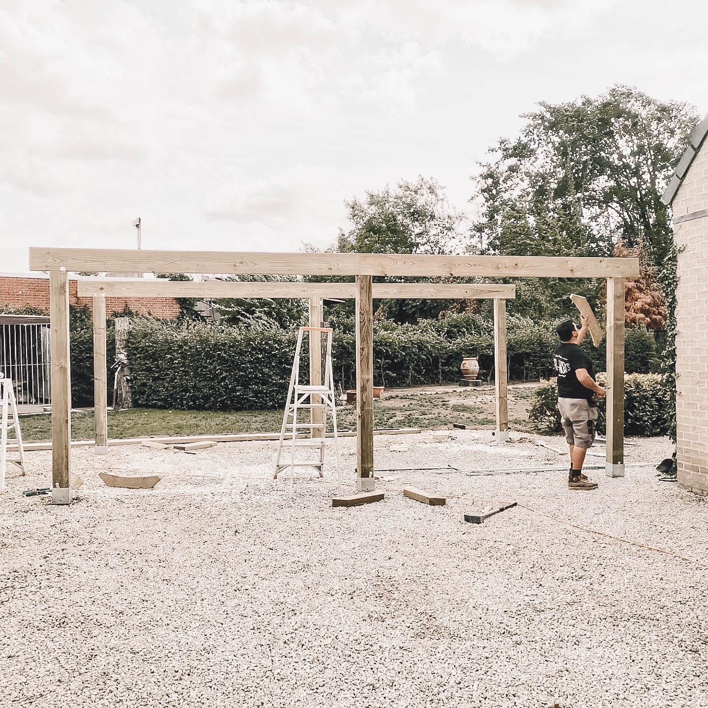 wood-works-team-carport-ecotrading-hout-schrijnwerk-buitenschrijnwerk-gevelbekleding