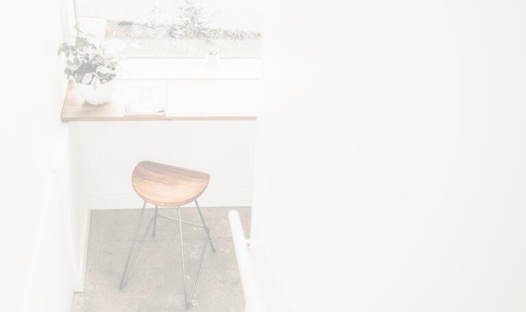 wood-works_houtbewerking_hout_schrijnwerker_renovatie_keukenplaatser_woonkamer-interieur